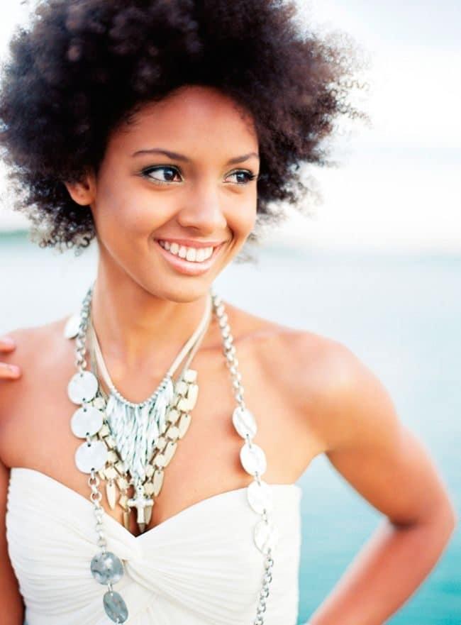 wedding-hairstyles-for-long-natural-hair-noivas-negras-penteados-para-casamento-cabelos-crespos-13-1435375-2573427-9933128