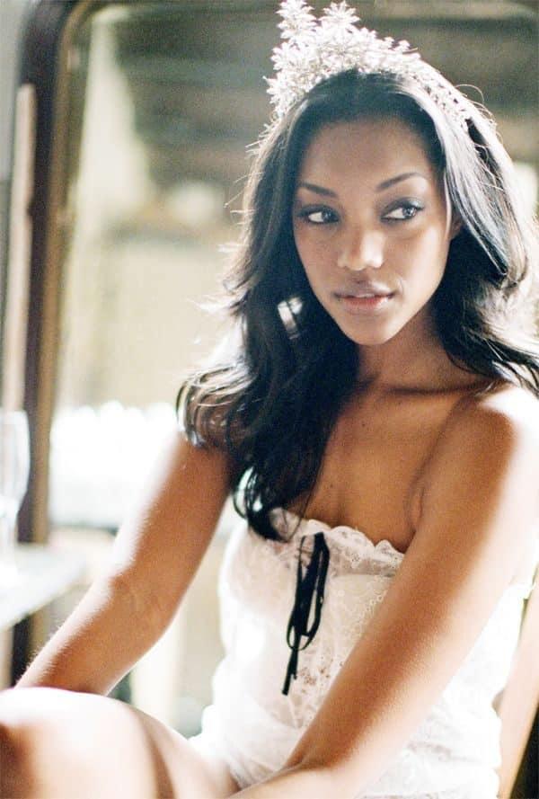 wedding-hairstyles-for-long-natural-hair-noivas-negras-penteados-para-casamento-cabelos-crespos-14-5790763-7257134-6804390