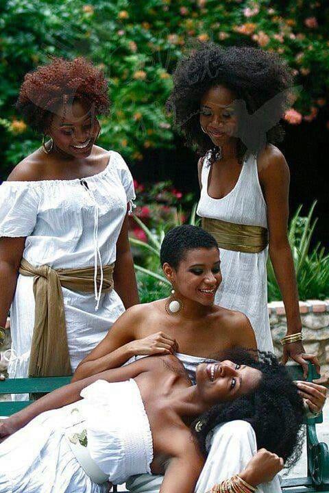wedding-hairstyles-for-long-natural-hair-noivas-negras-penteados-para-casamento-cabelos-crespos-20-2542803-3819178-6579083