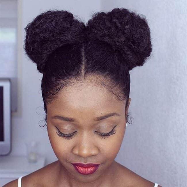 penteados-para-casamento-para-cabelo-curto-e-crespo-afro-puffs