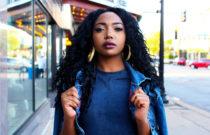 mulher negra com lace wig