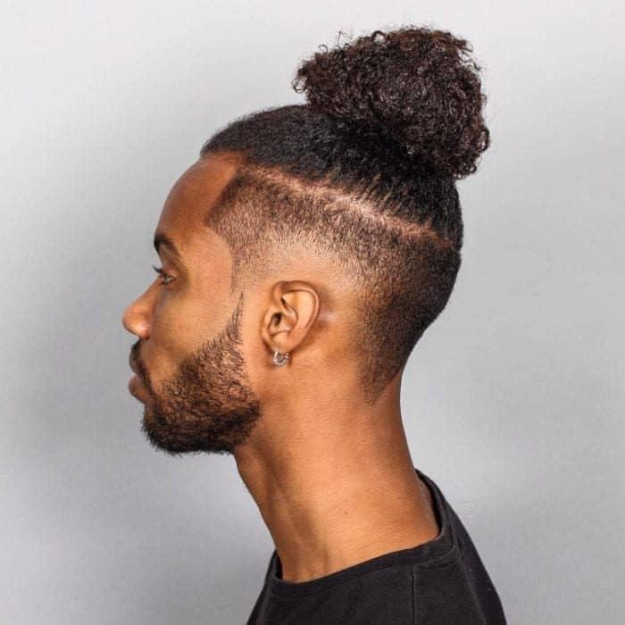 Cortes de cabelo afro masculino corte samurai men bun 3 700x700 5173776 8298639
