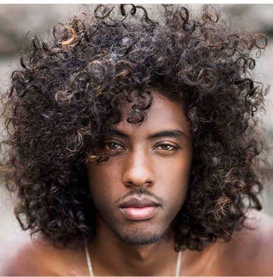 Cortes de cabelo afro masculino natural e sem corte 18 6519914 4957431