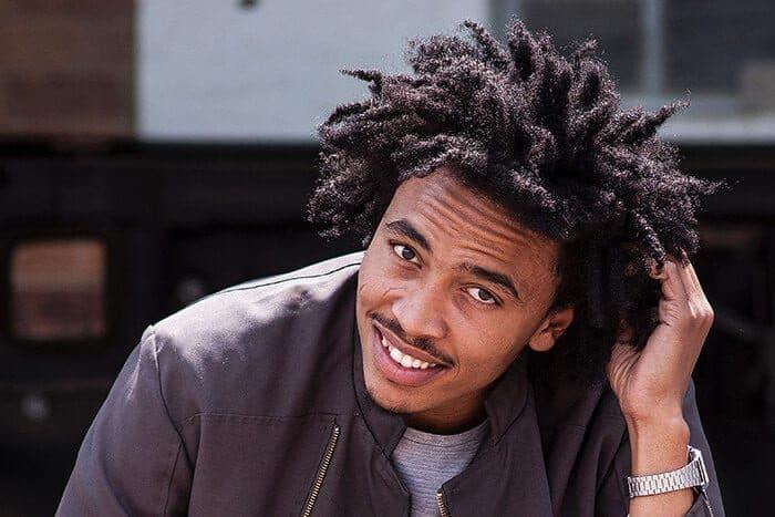 cabelo afro masculino hust wilson 400432 unsplash 700x467 9538820 3173999