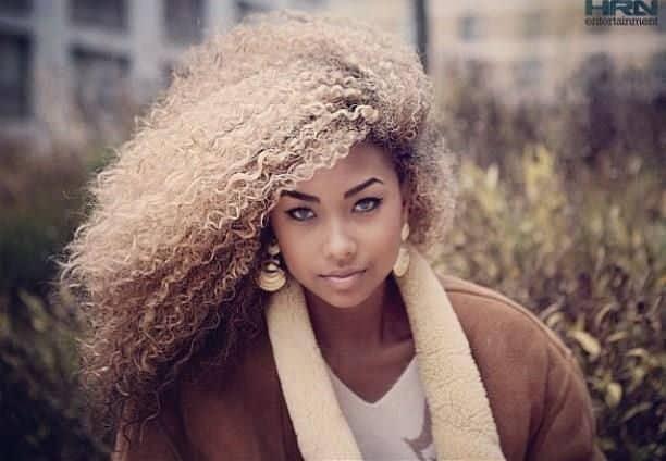 NEGRA LOIRA DARK SKIN BLOND HAIR OMBRE platinada linda 4 7018703 7875736