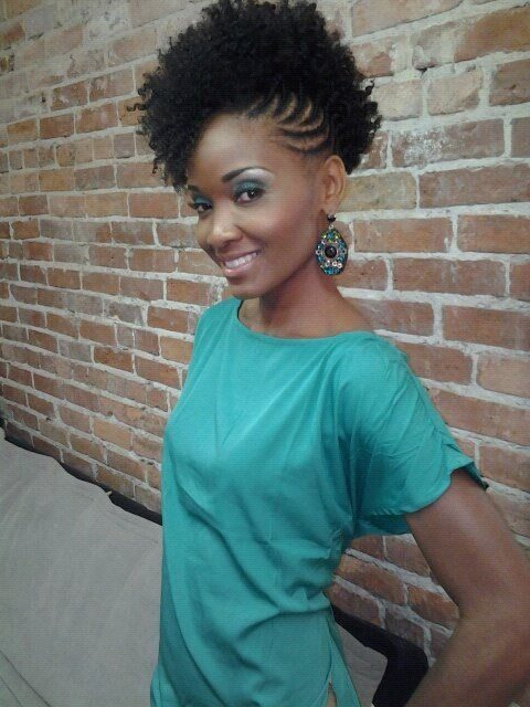 penteados-para-cabelos-curtos-e-crespos-braids-for-short-hair-black-hair-cabelo-afro-11-1639400-5023099
