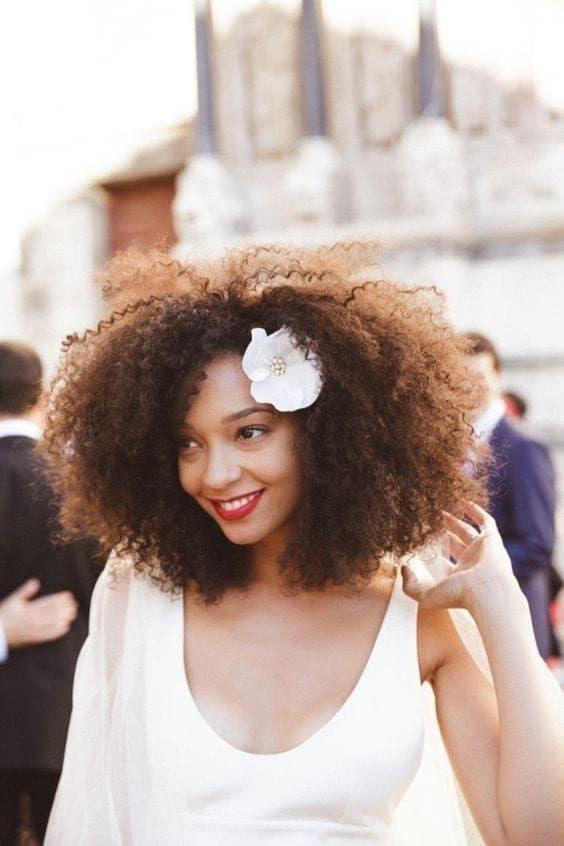 Imagem Tumblr penteados flores noivas 11 3375017 4722685