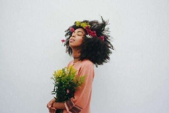 Imagem Tumblr penteados flores noivas 2 8808976 1829977