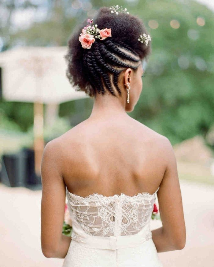 Noivas com flor no cabelo floral hairstyles rebecca yale 0618 vert 700x875 5323179 9475546