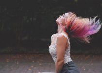Mudar a cor do cabelo? 8 dicas de como fazer sem agredir os fios
