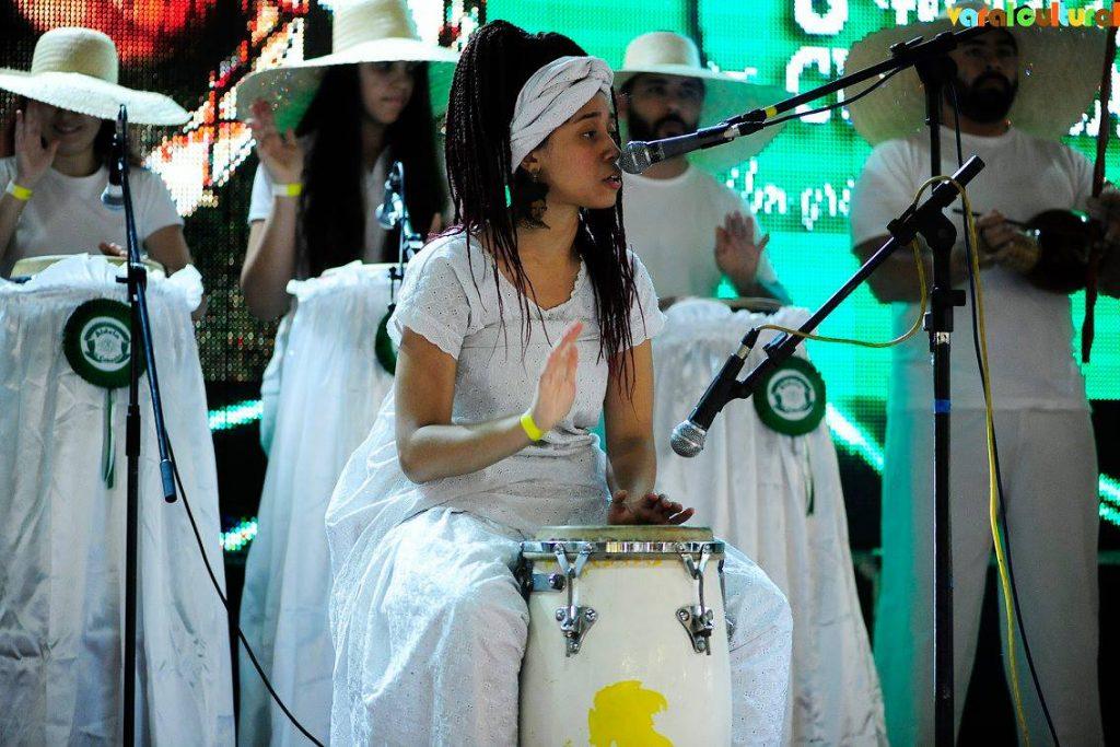 Qual a diferença entre umbanda e candomblé